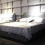 米兰印象 S2145床+床垫