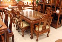 新荣红木紫檀属花梨木餐桌六椅33000元