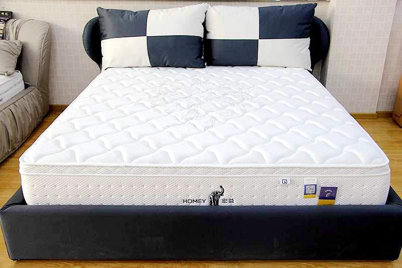 产品风格:现代简约       产品描述 欧式加层设计,大幅增加床垫